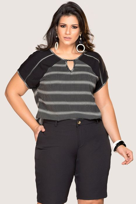 Blusa Plus Size Recorte Vazado
